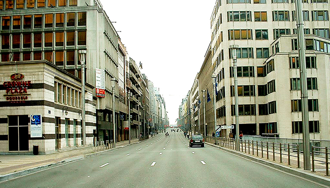 02 Rue-de-la-Loi-on-Sunday-or-after-5pm